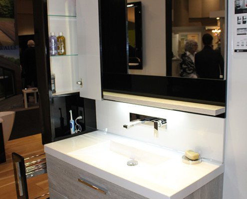 Elegant Bathroom Sink/Vanity/Mirror
